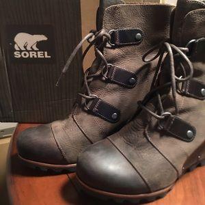 Sorel Joan of Arctic Wedge Mid Boots
